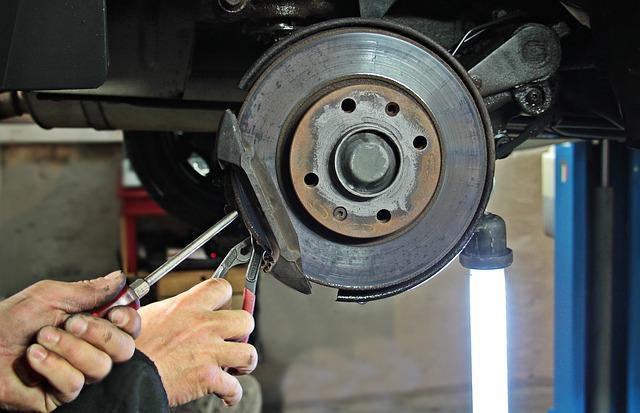 Quali sono i materiali usati per i freni degli autoveicoli?