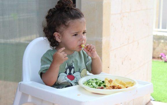 Dieta per bambini: quali sono le linee da seguire?