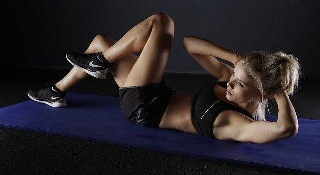 Stiramento addominale: cause e sintomi, allenamenti e trattmenti