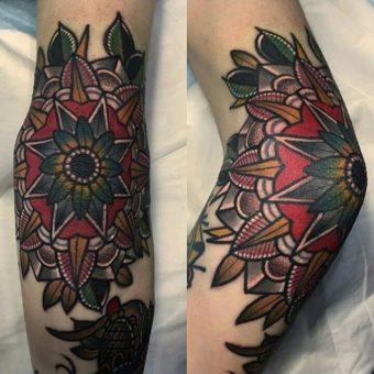 Tatuaggi sui gomiti: fanno male? quali sono i più belli?