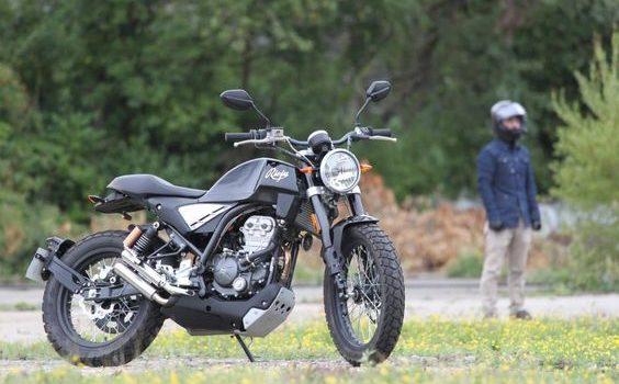 Moto 125: requisiti per guidarla, i migliori modelli e listino prezzi