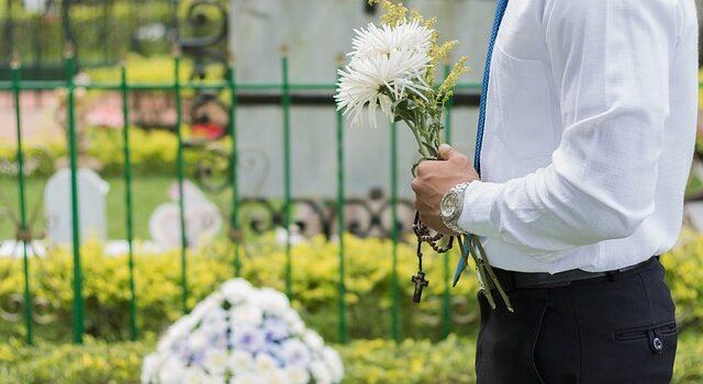 Che costo ha un funerale in Italia?